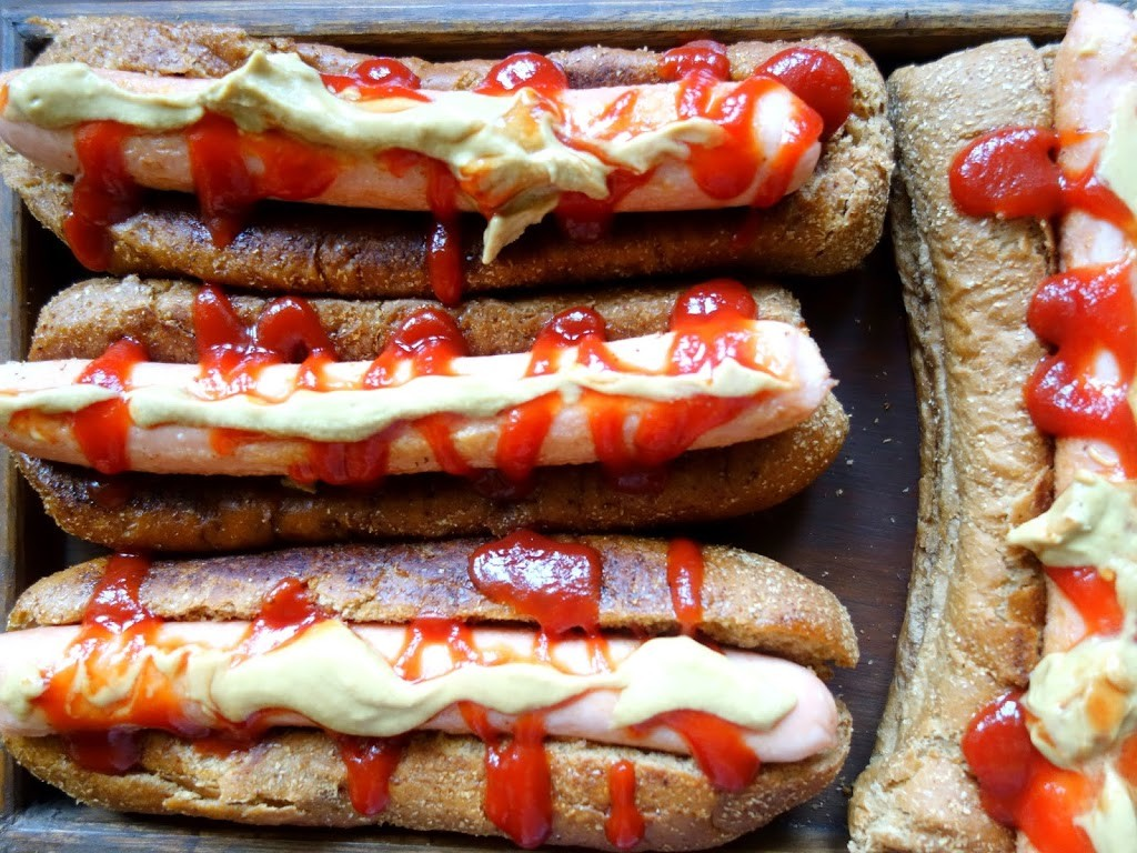 HOT DOGS & WHY YOU SHOULD HAVE A MOVIE NIGHT