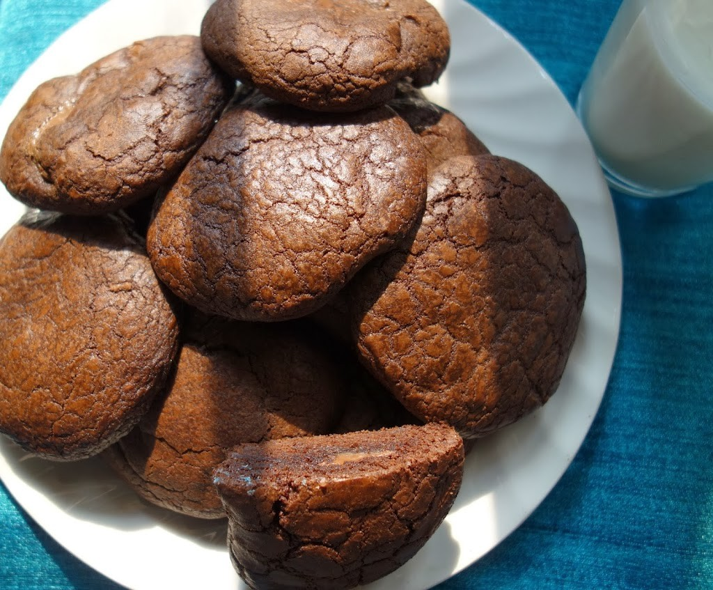 GOOEY CHOCOLATE FILLED CHOCOLATE COOKIES