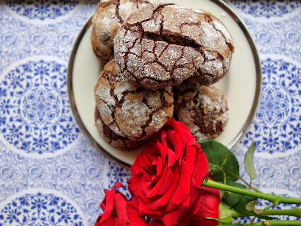 THE GOOD PEOPLE AT GOONJ AND MEXICAN MOCHA CRINKLE COOKIES
